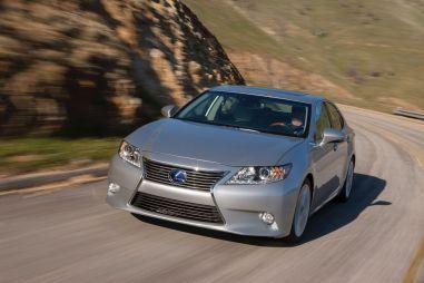 Нью-Йорк 2012. LexusES нового поколения — теперь игибрид