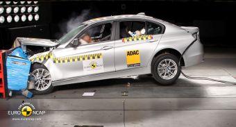 Седан BMW 3-Series нового поколения получил 5 звезд на краш-тесте Euro NCAP.