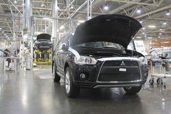 Через несколько месяцев на заводе «ПСМА Рус» второе поколение Outlander уступит место на конвейере новой модели.