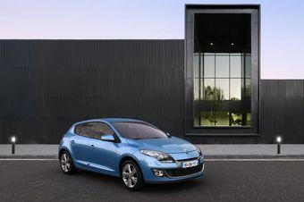 Рестайлинговая версия текущего поколения Renault Megane теперь продаётся и в России.