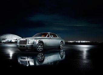 Британцы показали Rolls-Royce Phantom Coupe Aviator американским покупателям.