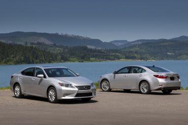 Lexus назвал российские цены на новое поколение седана ES