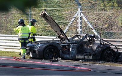 Прототип Mercedes SLS AMG BlackSeries попал ваварию наНюрбургринге исгорел