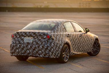 Lexus покажет новый IS в январе