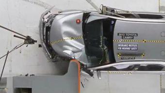 Краш-тест проводился по новой методике – с 25-процентным перекрытием. Из 18 автомобилей среднего класса безопасными оказались 13 моделей. Среди машин премиум-сегмента таких набралось всего 3 из 11.