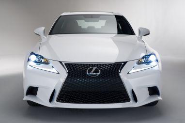 Lexus показал новый седан серии IS