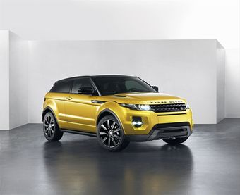 Range Rover Evoque в кузове цвета Sicilian Yellow и с крышей в цвете Santorini Black
