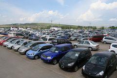 Россия сняла таможенные ограничения на ввоз автомобилей из Беларуси.