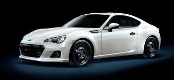 Автомобиль получил ряд внешних и внутренних отличий от стандартной версии. Двигатель остался без изменений.