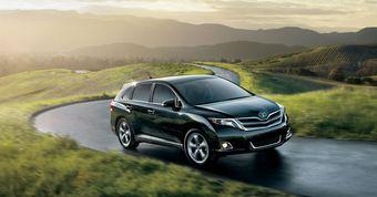 Toyota Venza придет в Россию с 2,7-литровым мотором и в трех комплектациях. Окончательные цены пока не известны.