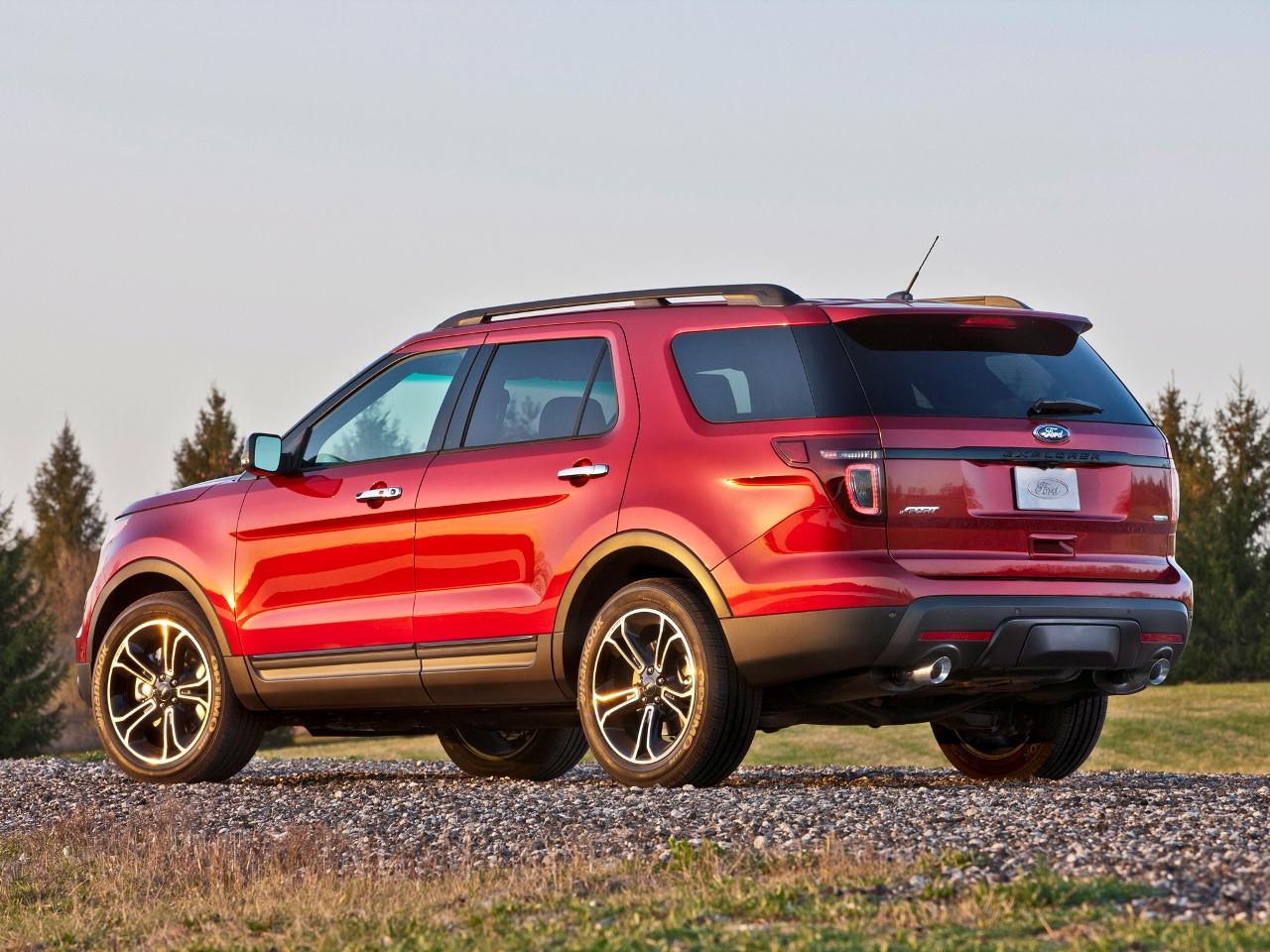 красный автомобиль джип Ford Explorer Sport скачать