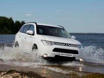 Из Японии в Россию будут импортироваться базовые версии кроссовера: Inform 2WD CVT, Invite 2WD CVT и Invite 4WD CVT.