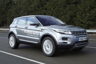 Range Rover Evoque с новой коробкой передач во время испытаний.