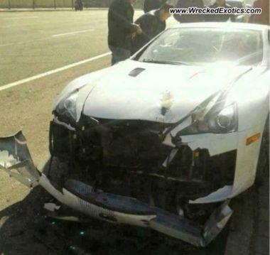 Минус один: китайский миллионер разбил эксклюзивный суперкар LexusLFA