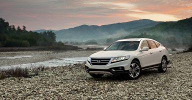 Обновленный Honda Crosstour получил в России базовую версию с передним приводом