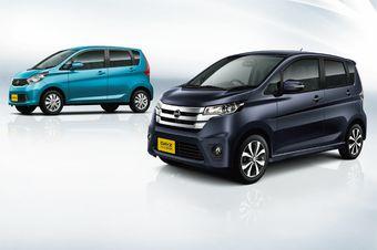 Mitsubishi ek-Wagon (на заднем плане) и Nissan DAYZ
