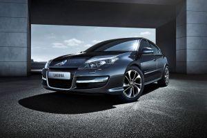 Renault Laguna обновилась: дневные ходовые огни LED и более экологичные моторы