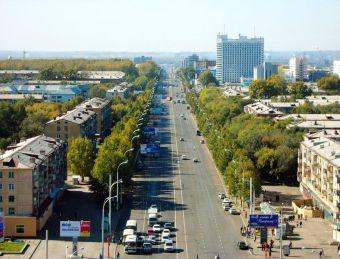 Дополнительная полоса появились на перекрестках с улицами Соборная, Тухачевского и Терешковой. Освободить место для поворота налево и разворота помогла оптимизация ширины существующих полос.