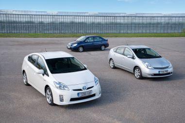 Продажи гибридов Toyota Prius перевалили за3миллиона