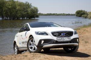 Volvo привезла в Россиию дизельный V40 Cross Country