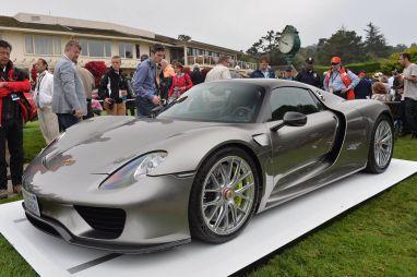 Porsche показала в Калифорнии предсерийную версию суперкара 918 Spyder