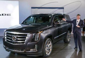Новый Escalade в основном остался прежним по технической части, но получился более оснащенным и роскошным по дизайну. В Cadillac называют это красотой контраста — сочетанием «смелого характера утилитарного автомобиля с утонченностью форм и технологий, присущей марке».