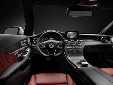 Mercedes показал интерьеры нового C-Class и минивэна V-Class