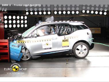 В Европе провели краш-тест 11 новых автомобилей: BMW i3, Mazda 3, Infiniti Q50 и прочие