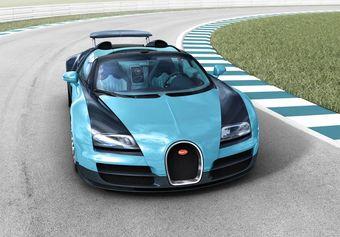 Выпуск Bugatti Veyron был изначально ограничен 450 экземплярами. О продаже четырехсотого из них компания сообщила 5 декабря — сейчас покупателям доступны только 50 суперкаров в модификации родстер.