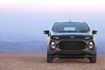 Ford EcoSport от DC Design изменился внешне и получил четырехместный салон, в котором задние пассажиры имеют широкие возможности для отдыха и развлечений.