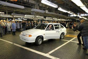 За почти 30 лет конвейерной жизни «Самара» первого и второго поколений была выпущена тиражом более 5,2 млн экземпляров, включая такие мелкосерийные модели, как полноприводный пикап и фургон.
