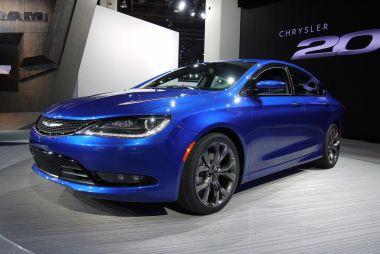 Детройт-2014. Седан Chrysler 200 сменил поколение и обзавелся 9АКПП