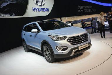 Hyundai привезла в Россию удлиненный Santa Fe