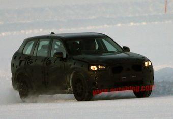Автомобиль частично напоминает концепт XC Coupe, представленный в Детройте в январе 2014 года.