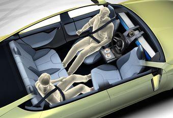 С помощью прототипа фирма поднимает вопрос о том, какими должны быть автомобили будущего, если машины на автопилоте станут повседневной реальностью.