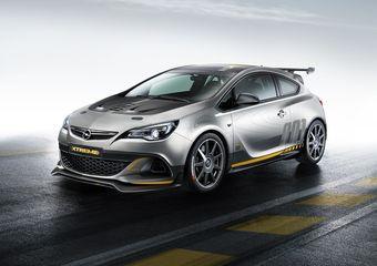 Под капотом машины находится алюминиевый двухлитровый бензиновый мотор с турбонаддувом, прямым впрыском топлива и настраиваемыми фазами газораспределения, выдающий 300 лошадиных сил.