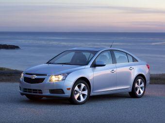 Временное прекращение реализации Chevrolet Cruze с турбомотором объемом 1,4 литра связано с дефектом крепления передней правой полуоси.