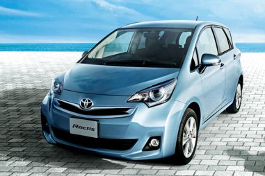 Toyota представила рестайлинговый хэтчбек Ractis с новым 1,3-литровым мотором