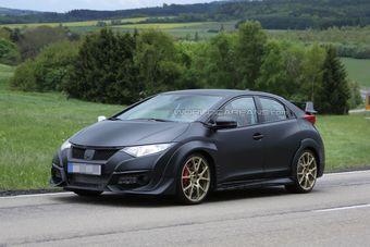 О силовой установке нового Civic Type R пока нет официальной информации, но известно, что впервые в своей истории модель получит двигатель с турбонаддувом.