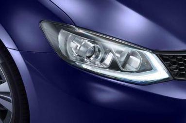 Nissan показал тизер хэтчбека Pulsar нового поколения