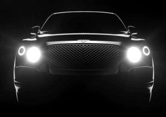 Кроссовер Bentley, носящий обозначение Falcon внутри фирмы, будет построен с применением новой платформы Volkswagen Group. На базе этих же агрегатов создается следующее поколение Audi Q7 и Porsche Cayenne, а также кроссовер Lamborghini Urus.