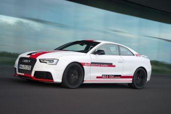 Дизельный двигатель RS5 развивает 385 л.с мощности 750 Нм тяги. Мотор работает в паре с восьмиступенчатым «автоматом» и системой полного привода Quattro. До 100 км/ч прототип разгоняется менее, чем за 4 секунды, а максимальная скорость дизельного купе превышает отметку в 280 км/ч. По данным производителя, на 100 км пути концепт тратит всего 5 литров горючего.