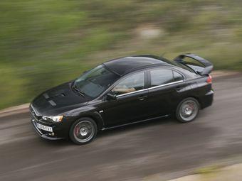 Речь идет о машинах, предназначенных для продажи в США — о перспективах появления Lancer Evolution 2015 модельного года на других рынках пока ничего не сообщается.