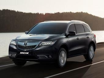 На российском рынке кроссовер комплектуется 290-сильным бензиновым V6 объемом 3,5 литра. Мотор работает в паре с шестиступенчатым «автоматом».