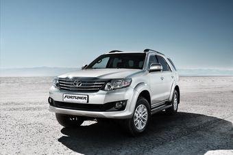 Рамный Fortuner с полным приводом будет предлагаться в Казахстане с одним единственным двигателем — четырехцилиндровым мотором 2TR-FE объемом 2,7 литра, развивающим 160 л.с. мощности и 245 Нм крутящего момента.