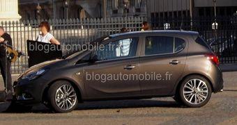 Согласно официальной информации Opel, речь идет о новом поколении автомобиля, но зарубежные СМИ считают, что новинка скорее является глубоко модернизированной версией прежней Corsa.