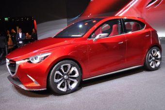 По предварительной информации, гибридная силовая установка для серийной версии машины создана на основе экспериментальной Mazda2 RE (Rotary Engine), которая была представлена в 2013 году. Этот автомобиль был оснащен 330-кубовым роторным двигателем мощностью 28 кВт, который был размещен под задней частью днища хэтчбека.