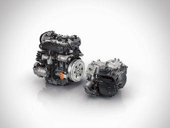 Топовый XC90 нового поколения получит 2,0-литровый 4-цилиндровый бензиновый двигатель, 8-ступенчатую автоматическую коробку передач (показаны на фото), а также электродвигатель и блок аккумуляторных батарей.