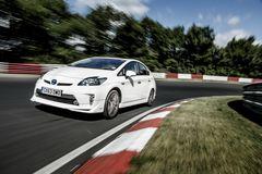 Новость о Toyota Prius PHV