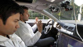 В американском ведомстве предполагают, что террористы и преступники в будущем смогут использовать автомобили на автопилоте для совершения преступлений и терактов.